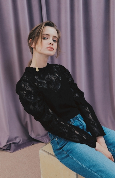 SEE-THROUGH LACE BLOUSE